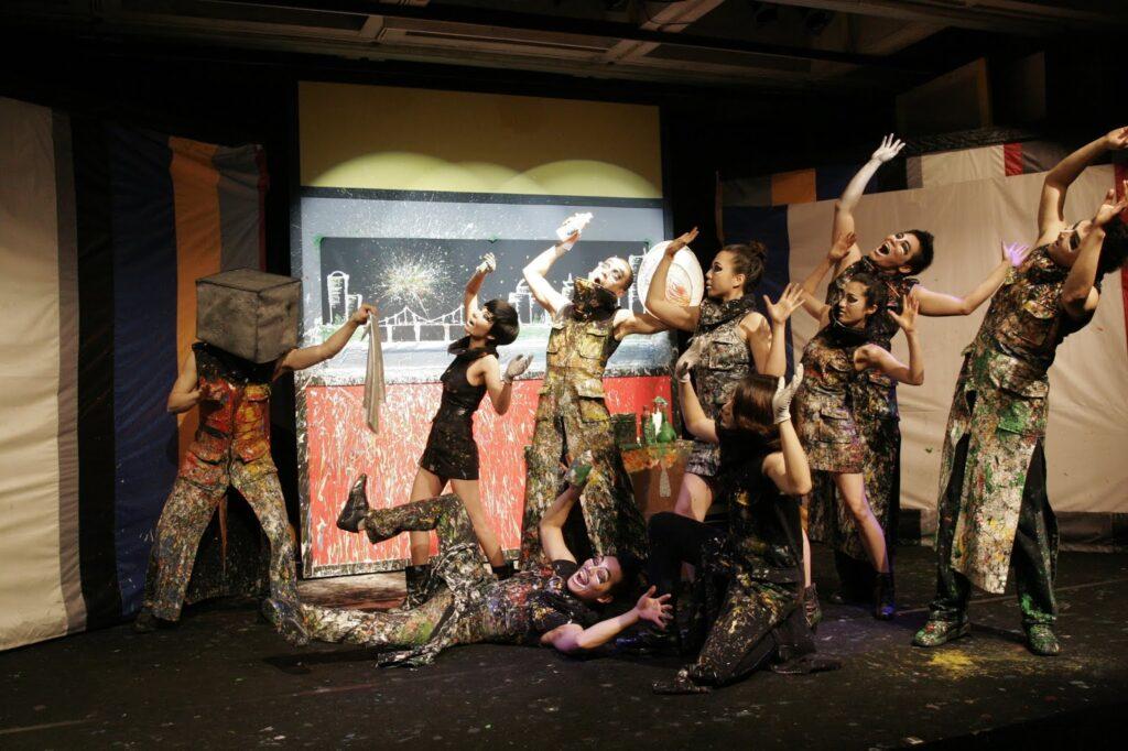 """The Original Drawing Show"", performance coreana"