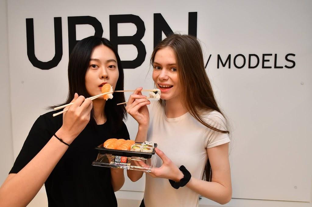"""Il """"Courtesy Sushi"""", come comunicare durante la Milano Fashion Week 2020"""